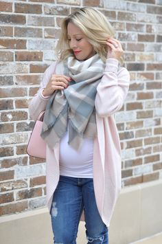 Fall & Winter Fashion - pink cardigan and plaid scarf, pink Kate Spade purse - dressing the bump, maternity fashion, maternity outfit