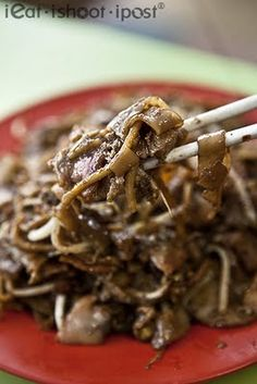 Char Kway Teow, Singapore. Why is everything that is so delicious, bad for you?!