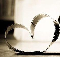 klisza-zdjeciowa-ulozona-formie-serca.gif