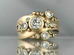 Ocean Inspired Jewellery - The Ocean Bubbles & Wake ring is a redesign of a clie. - Creativity and Inspiration - Anillos Custom Jewelry, Vintage Jewelry, Ancient Jewelry, Schmuck Design, Vintage Engagement Rings, Fine Jewelry, Jewelry Rings, Diamond Jewelry, Creations