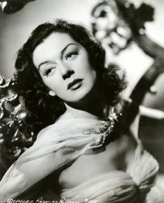 Rosalind Russell (via Decaying Hollywood Mansions) Hollywood Stars, Hollywood Icons, Old Hollywood Glamour, Hollywood Actor, Golden Age Of Hollywood, Vintage Hollywood, Classic Hollywood, Hollywood Party, Rosalind Russell