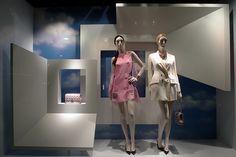 Escaparates de primavera 2013 (I): colores neutros y lisos. #store #comerio #retail #escaparate #windowdisplay #spring #primavera #dior