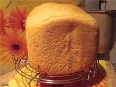 """Bork. """"Очень вкусный белый хлеб"""" Яйцо 1шт. Масло растительное рафинированное 1,5ст.л. Масло сливочное 20г. Сахар 1ст.л. Соль 1,5ч.л. Мука пшеничная 550г. Дрожжи сухие 1,5ч.л. Кефир 300г."""