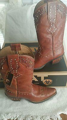 Ariat Rhinestone Cowgirl Maple Sugar boot Womens shoe size 7m bnwb Ready to ship