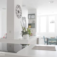 Cocina. Reforma integral de vivienda en Madrid by R Diseño