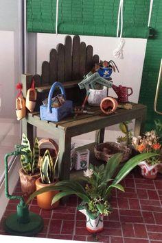 Banco de trabajo en invernadero miniatura 1:12