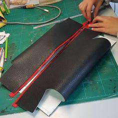 Best 12 Prototype making. Mini Handbags, Leather Handbags, Leather Wallet, Sewing Leather, Leather Craft, Leather Bag Tutorial, Simple Wallet, Diy Tote Bag, Leather Bags Handmade