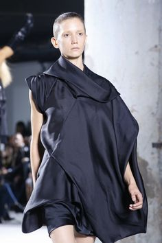Rick Owens Spring 2016 Ready-to-Wear Fashion Show Details