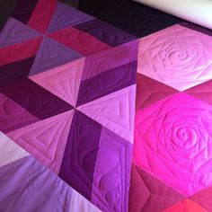 Who wants to make me a gravity quilt top in exchange for quilting services? I'm so obsessed with how beautiful this pattern is!