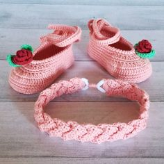 45 Cute and Beauty Free Crochet Baby Booties Patterns 2019 Crochet Booties Pattern, Baby Cardigan Knitting Pattern Free, Crochet Baby Blanket Beginner, Crochet Baby Bonnet, Crochet Baby Clothes, Crochet Baby Shoes, Baby Knitting Patterns, Crochet Patterns, Crochet Ideas