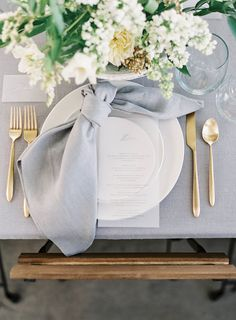63 Stunning Wedding Table Centerpieces Ideas For Your Big Day Floral wedding centerpieces; simple We Wedding Table Linens, Wedding Napkins, Wedding Table Centerpieces, Wedding Decorations, Ribbon Wedding, Wedding Napkin Folding, Diy Wedding, Wedding Invitations, Trendy Wedding