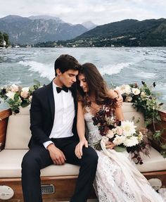 36 Must-Take Romantic Photos On Your Wedding Day Your big day is coming? This is editor's pick for your inspiration of the best romantic photos over Internet. We hope you will like these gallery as we do! Wedding Goals, Wedding Pics, On Your Wedding Day, Perfect Wedding, Dream Wedding, Wedding Dresses, Wedding Ideas, Lake Como Wedding, Wedding Venues