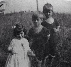 Joe Jr., Jack, and Rosemary Kennedy in 1922.