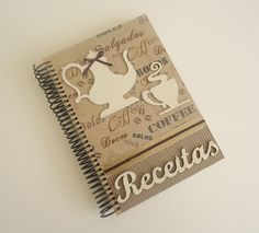 CADERNO DE RECEITAS CAFÉ | Arte DCasa - Presentes & Decorações | Elo7 Arts And Crafts, Paper Crafts, Journal Notebook, Scrapbook Albums, Mini Albums, Book Art, Diy Projects, Cards, Handmade