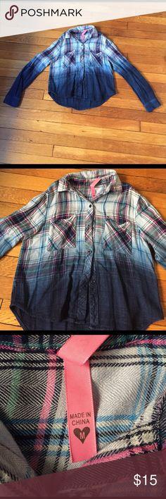 So Nikki Long sleeve button down shirt Plaid button down shirt Shirts & Tops Button Down Shirts