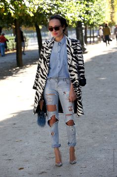 Valentina in Paris rippin it up in that zebra coat. Nicely done my friend. #hestreetfashion5xpro