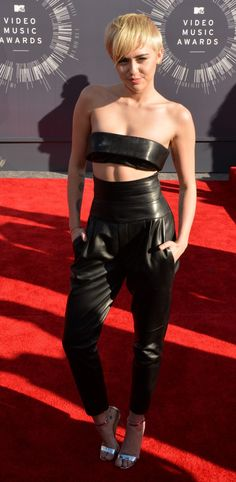 Miley Cyrus - VMA 2014 #redcarpet #tapetevermelho