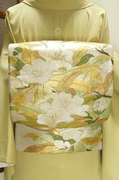 Floral beautiful embroidery,Magnolia grandiflora in Kasumigin-chi Fukuro -