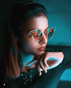 New lifestyle fashion photography! Neon Photography, Creative Portrait Photography, Fashion Photography Poses, Tumblr Photography, Creative Portraits, Photography Ideas, Capture Photography, Photography Lighting, Street Photography