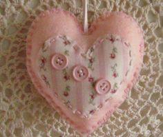 cuore-bottoni-rosa