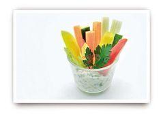Gemuessticks mit Kraeuterdip Fingerfood Lieferservice