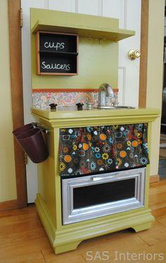DIY: Kids Play Kitchen