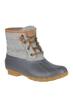 Discover recipes, home ideas, style inspiration and other ideas to try. Sperry Saltwater Duck Boots, Sperry Boots, Timberland Boots, Duck Boots Outfit, Red Boots, Boho Boots, Cowboy Boots, Pull On Boots