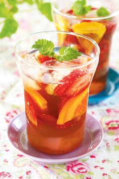 Pimm's Cocktail - memories of safari adventure in Kenya Smoothie Drinks, Healthy Smoothies, Food N, Food And Drink, Pimms And Lemonade, Pimms Cocktail, My Cookbook, Healthy Vegetables, Summer Cocktails