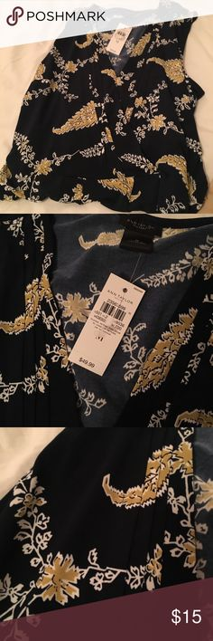 Navy and gold Ann Taylor sleeveless shell Navy shell style top with discreet v neck. Gold and white accents. Will look great with white summer suit and yellow accessories! Ann Taylor Factory Tops Blouses
