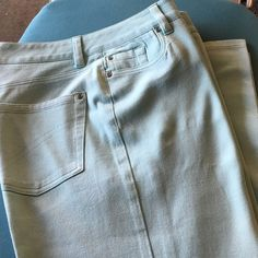 "Nordstrom mint green jeans Size 4 NWOT straight,inseam 30"" Nordstrom Jeans Straight Leg"
