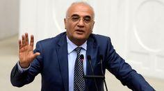 """Ekonomi Bakanı Mustafa Elitaş, Anayasa Komisyonu görüşmelerindeki olayları hatırlatarak, """"TBMM'de kimse terör estiremez. TBMM'de, hiç kimsenin, titri ne olursa olsun, terörist faaliyette bulunmasına müsaade edilmez, teröristin yeri TBMM değildir"""" dedi. Türkiye İhracatçılar Meclisi'ninAntalya'daki toplantısına katılan Ekonomi BakanıMustafa Elitaş, Antalya Valisi Muammer Türker'i makamında ziyaret etti. Ardından daAK Partiİl Başkanlığı'na geçen Bakan Elitaş, partililerle bir araya geldi.…"""