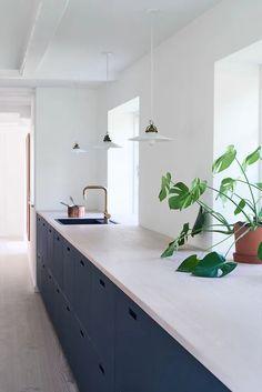 Ikea Kitchen, Home Decor Kitchen, Kitchen Living, Kitchen Cabinets, Apartment Interior, Bathroom Interior, Kitchen Interior, Barn Conversion Interiors, Shelving Design
