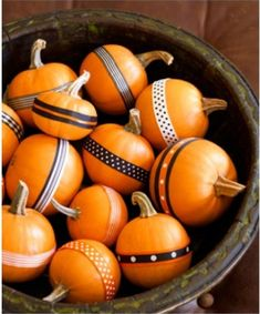Easy Hallowen decor! No-carve ribbon pumpkins using mini pumpkins and gourds in a bowl