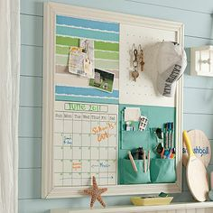 Pinboard with pockets
