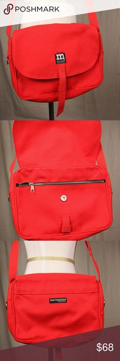 Marimekko Shoulder Bag Purse Classic Marimekko Shoulder Bag in Red. Very good pre-owned condition. Looks like it was hardly used but does have a few light spots on flap, see close-up phote. Marimekko Bag, Fashion Design, Fashion Tips, Fashion Trends, Designer Handbags, Purses And Bags, Shoulder Bags, Backpacks, Classic