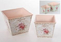 47 veces he visto estas espléndidas muebles vintage. Shabby Chic Garden, Shabby Chic Decor, Diy Arts And Crafts, Diy Crafts To Sell, Vasos Vintage, Small Wooden Crates, Diy Wood Box, Fabric Covered Boxes, Rose Basket