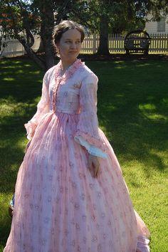 Katherine's Journal - Montana Trip!  Repro dress using the fabric like Glenna Jo Christen's original.  Lovely!!!