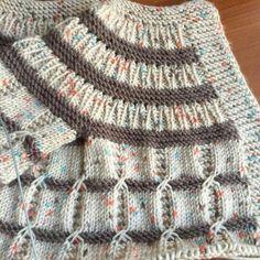 Crochet and Knitting Free 70 Patterns 2019 - Crochet Tricks and Tips Diy Crafts Knitting, Diy Crafts Crochet, Knitting For Kids, Easy Knitting, Baby Knitting Patterns, Knitting Stitches, Baby Patterns, Baby Cardigan, Tunisian Crochet