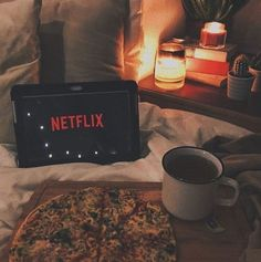 Anyone else think it's the perfect weather for Netflix & Chill? Netflix E Frio, Netflix Time, Netflix Series, Fred Instagram, Instagram Posts, Insta Posts, Instagram Feed, Netflix Supernatural, Fall Tv Shows