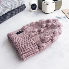 Нет описания фото. Crochet Motif, Knit Crochet, Knit Beanie Pattern, Knitted Hats, Knitting Patterns, Crafts, Accessories, Tricot, Long Scarf