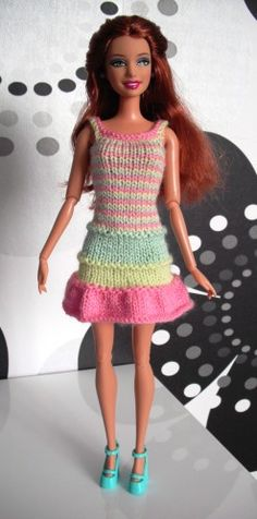 Barbie Knitting Patterns, Doll Patterns, Barbie Clothes, Barbie Dolls, Habit Barbie, Mini American Girl Dolls, Barbie Wardrobe, Barbie And Ken, Knit Crochet