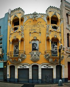 "coisasdetere: ""Casa Courret, Jirón de la Unión, Lima, Peru - with its wonderful façade from 1905 in an eclectic Art Nouveau style, it is one of the more elegant buildings of the area. Architecture Art Nouveau, Beautiful Architecture, Beautiful Buildings, Art And Architecture, Architecture Details, Art Nouveau Arquitectura, Design Art Nouveau, Jugendstil Design, Belle Epoque"