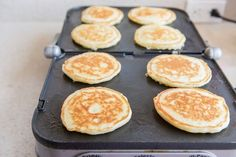 How to Freeze and Reheat Pancakes Easy Egg Breakfast, Make Ahead Breakfast Burritos, Frozen Breakfast, Clean Eating Breakfast, Freeze Pancakes, Homemade Pancakes, Healthy Vegetarian Breakfast, Vegetarian Recipes Easy, Easy Brunch Recipes