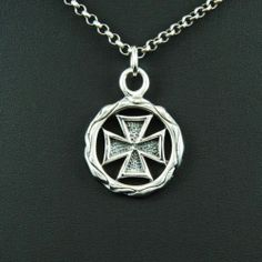 MALTESE CROSS MEDAL 925 STERLING SILVER Men's Women's BIKER ROCKER PENDANT cs010