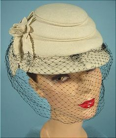 c. 1949 Hudson Bay Company Ivory Felt Beehive Hat