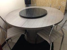 Mesa Com Tampo Giratório + 4 Cadeiras