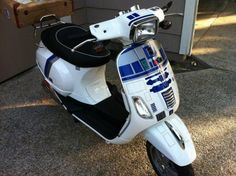 r2-d2-vespa...love it.  want to dress up like c3po and ride it around town
