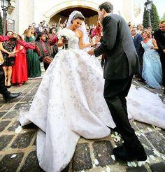 #lebaneseweddings lebaneseweddings   Photographer : George chahoud   Wedding planner : Fifteen  Wedding dress : Rami kadi .  Hair dresser : Wassim morkos .  Makeup artist : Bassam fattouh follow us on instagram #lebaneseweddings  #lebaneseweddings