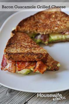 Housewife Eclectic: Bacon Guacamole Grilled Cheese #GooeyGoodness #Ad