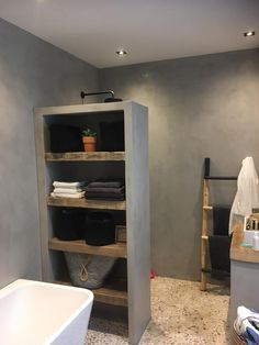 Laundry In Bathroom, Bathroom Storage, New Toilet, Bathroom Inspiration, Toilet Paper, Bookcase, Sweet Home, New Homes, Shelves